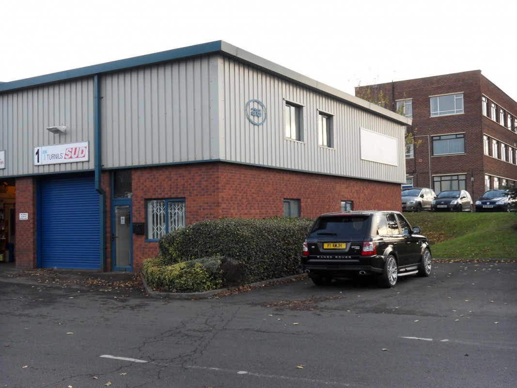 Industrial units to rent in Black Country - Industrial or Warehousing, Kingswinford, West Midlands
