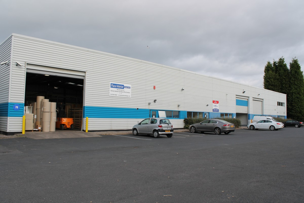 Units to let in Dudley - Industrial or Warehousing, Kingswinford, West Midlands