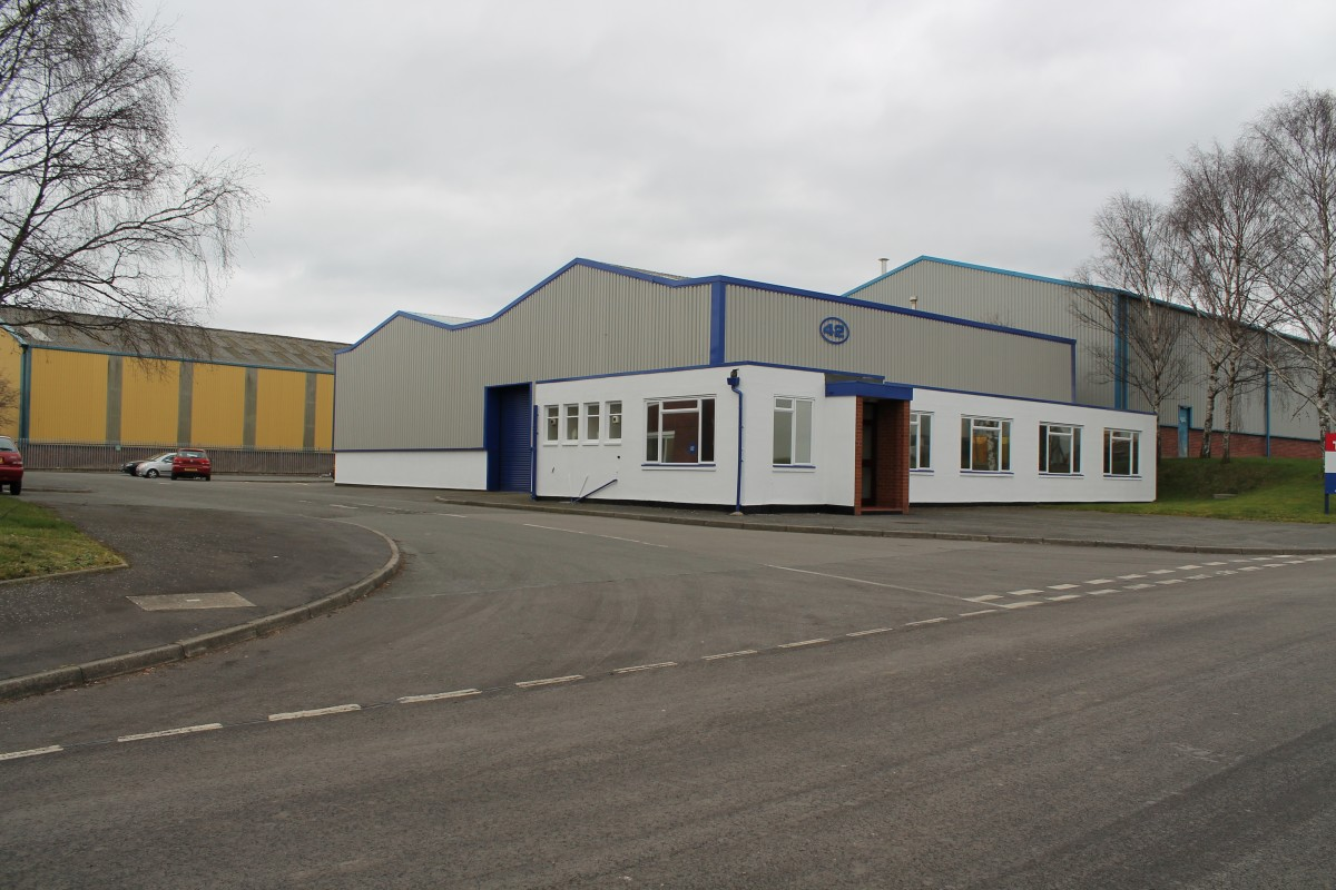 Industrial and warehouse units to rent and lease on the Pensnett Estate, Kingswinford - Industrial or Warehousing, Kingswinford, West Midlands